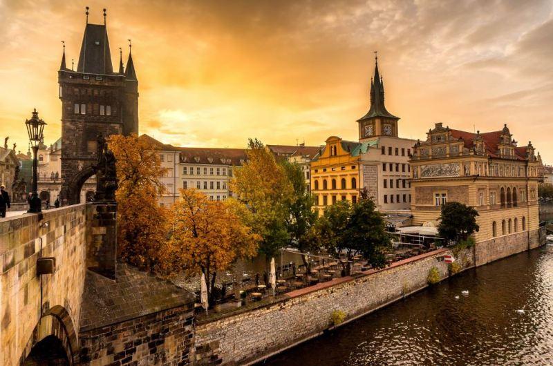 Prague 2 800x530 - 7 BEST EUROPEAN СITIES TO VISIT IN AUTUMN [Full Updated 2020]