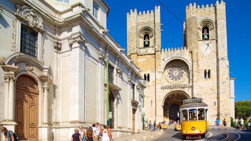 Lisbon Cathedral Se 53889 800x450 - 3 days in Lisbon: the main attractions