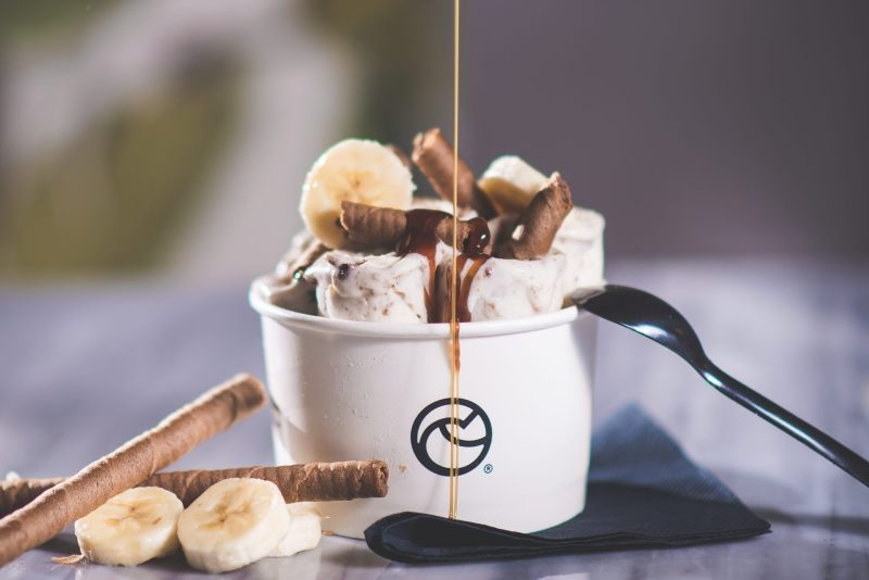 iceroll8 800x534 - THE BEST SWEET SPOTS IN ATHENS