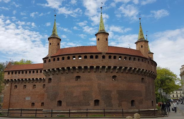 krakow barbican - THE ULTIMATE GUIDE TO TRAVEL TO POLAND ON A BUDGET; PART 1 - KRAKOW ON A BUDGET