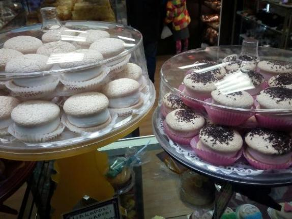 makaron lonis - THE BEST SWEET SPOTS IN ATHENS
