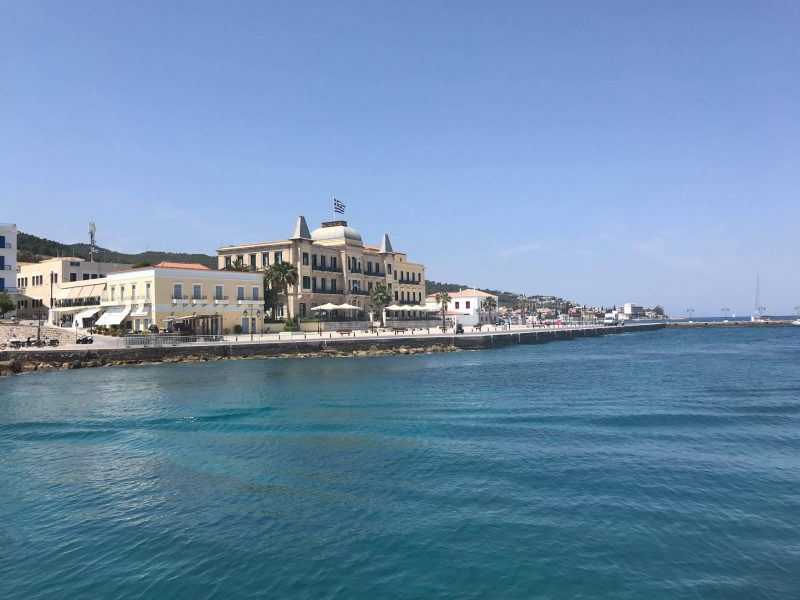 """Spetses 800x600 - TOP 10 """"UNIQUE"""" SMALL GREEK ISLANDS WORTH VISITING"""