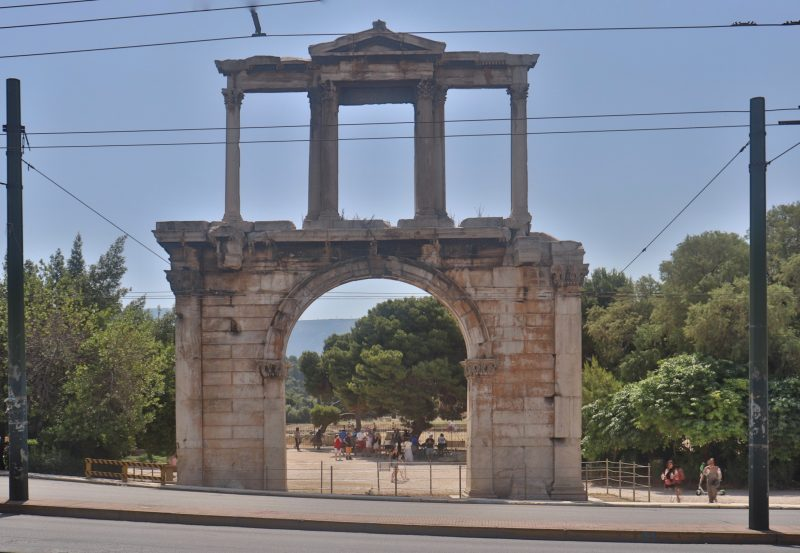 arch 800x553 - TOP THINGS TO DO IN ATHENS