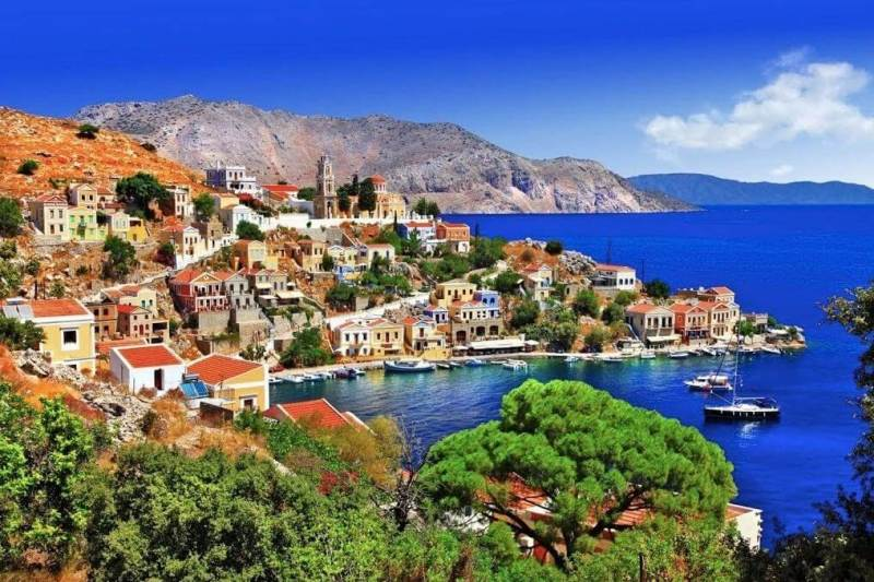 Rhodes 1 800x533 - BEST PLACES TO VISIT IN GREECE