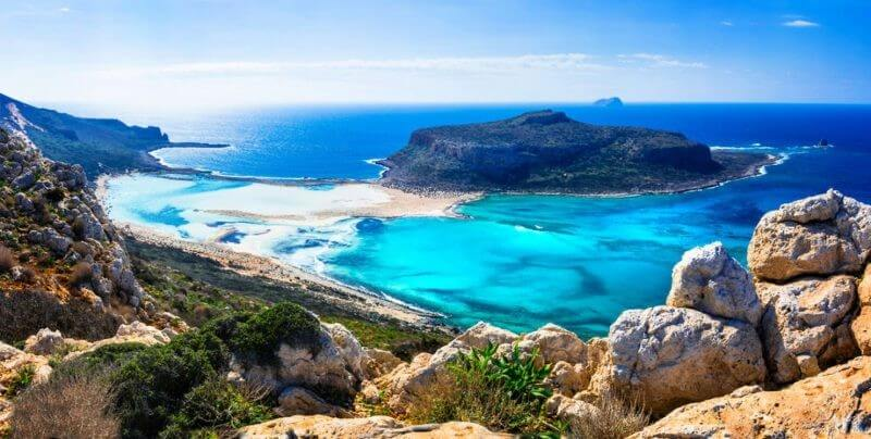 crete 800x404 1 - The best vacation spots in Greece