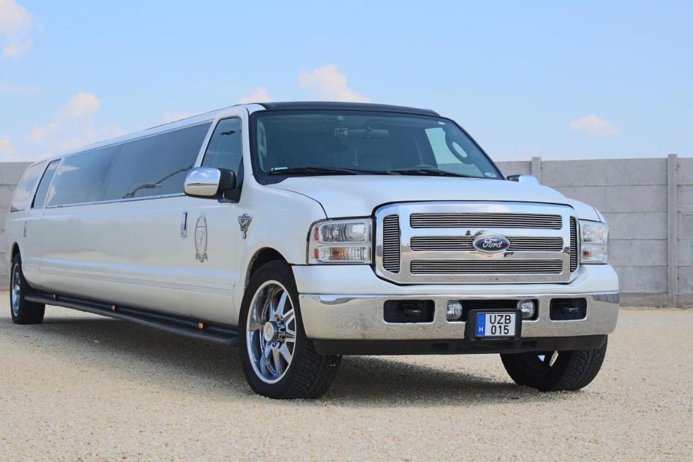 feher-ford-limuzin