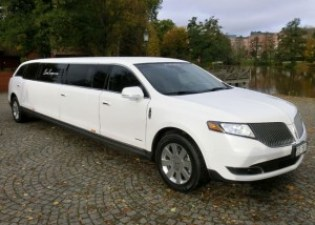 Lincoln MKT AWD Limousine