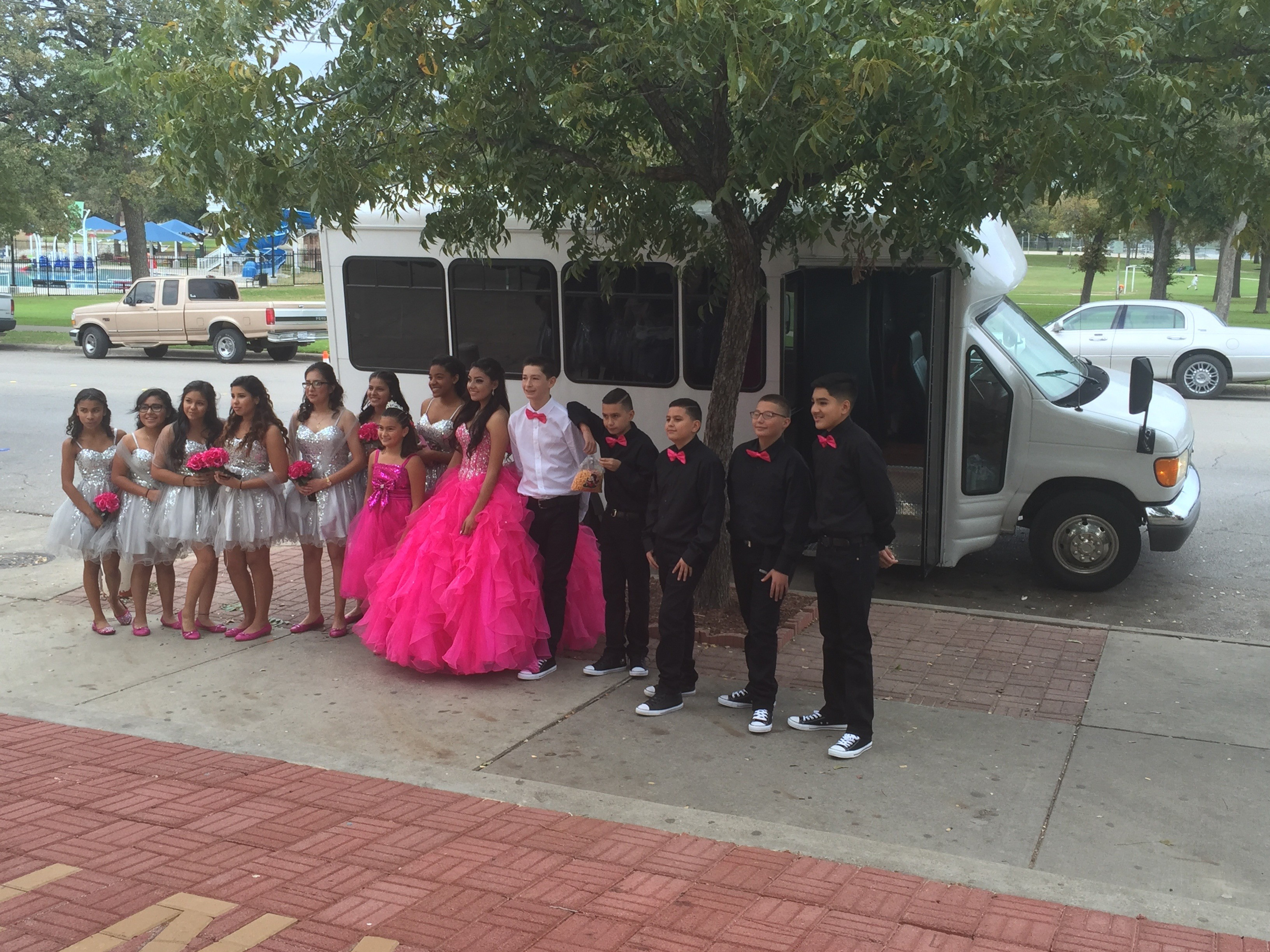 Quinceanera limo limousine party bus dallas fort worth