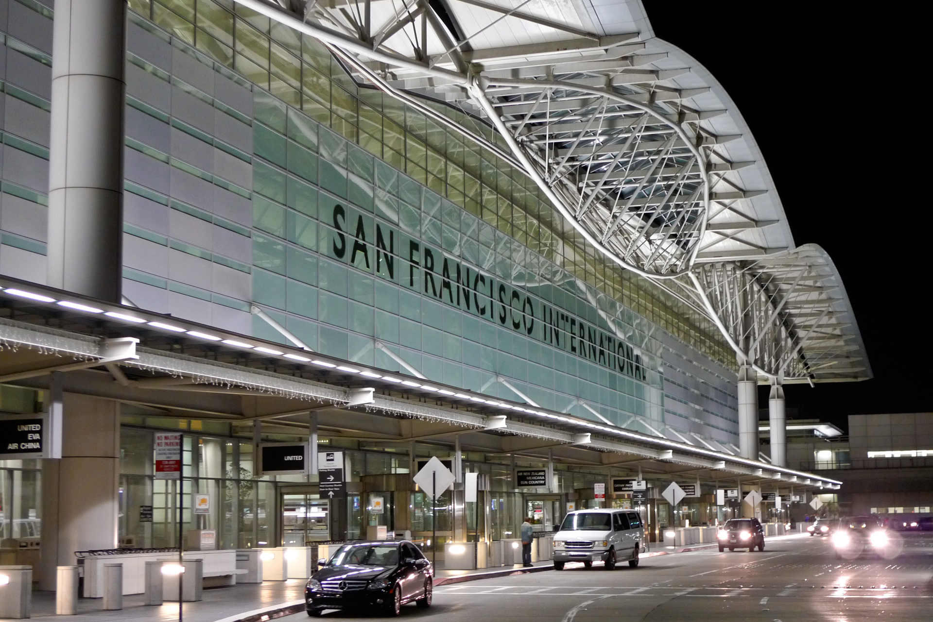 Limo service airport transportation San Francisco International