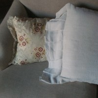 Fait-main en utilisant des DRAPS DE LIN ANCIENS (Handmade from antique local linen sheets)