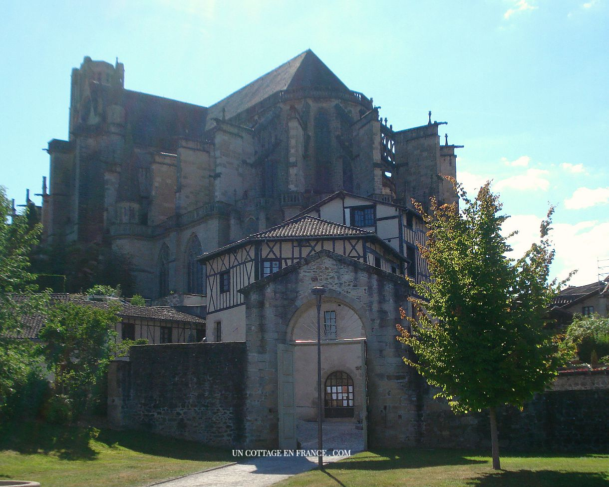 Cathedrale de Limoges vues du pars de l'évêché
