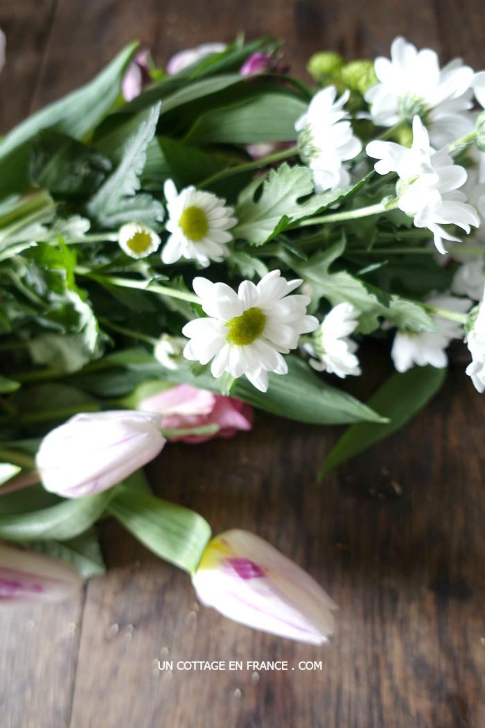 Bouquet dans la cuisine du cottage