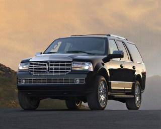 Modèle: Lincoln Navigator Passagers: 6 Couleur: Noire Prix: 90 $ de l'heure