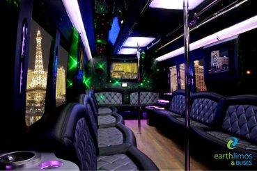 Modèle: Party bus Passagers: 12-24 Couleur: Noir Prix: variant de 350 $ de l'heure