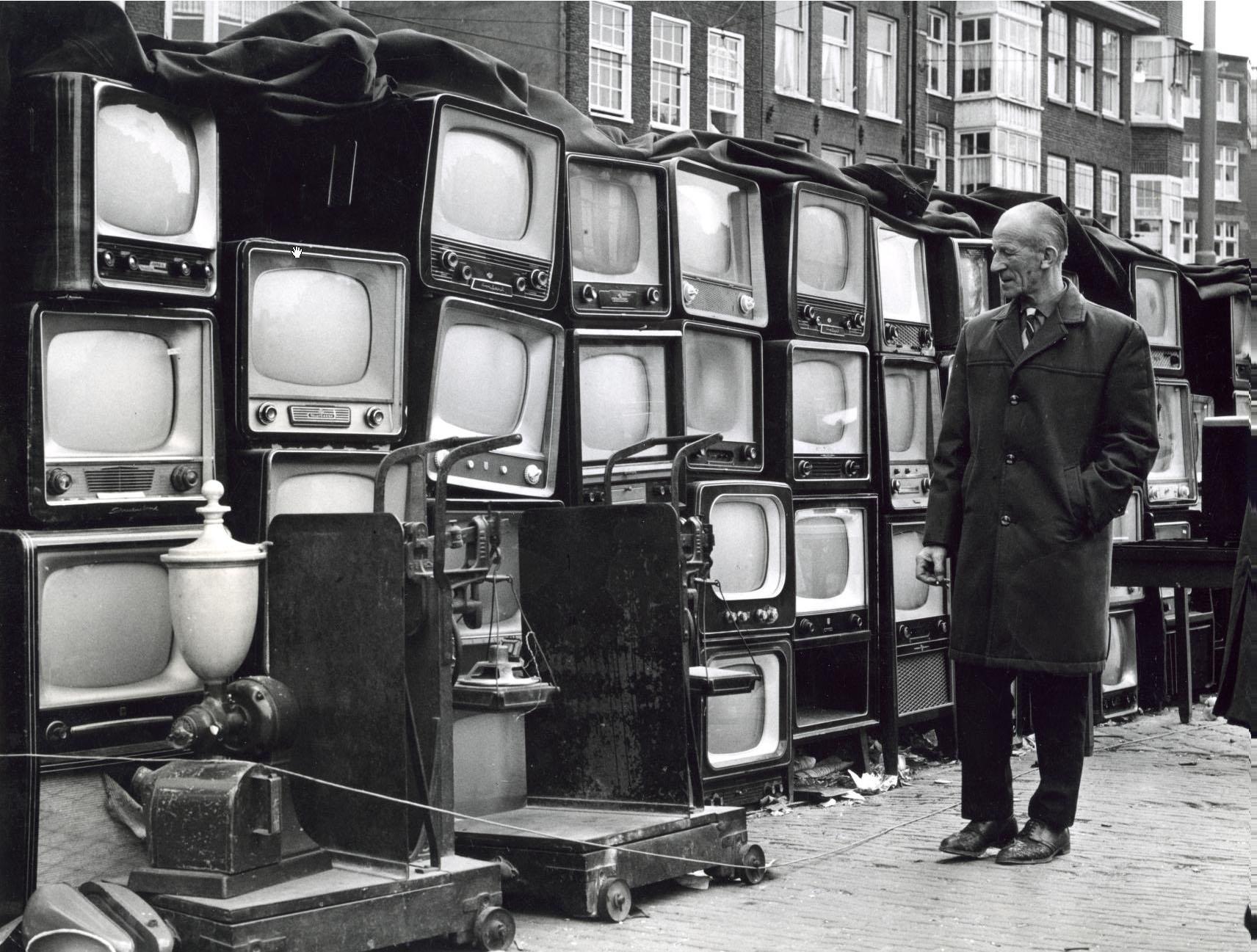 LouisVanParidonWaterlooplein1967