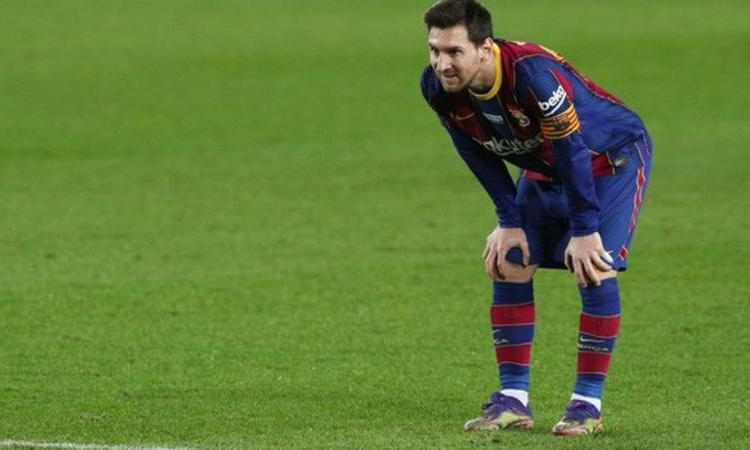 """Lionel Messi says he had """"a very bad time"""" in summer-Barcelona."""