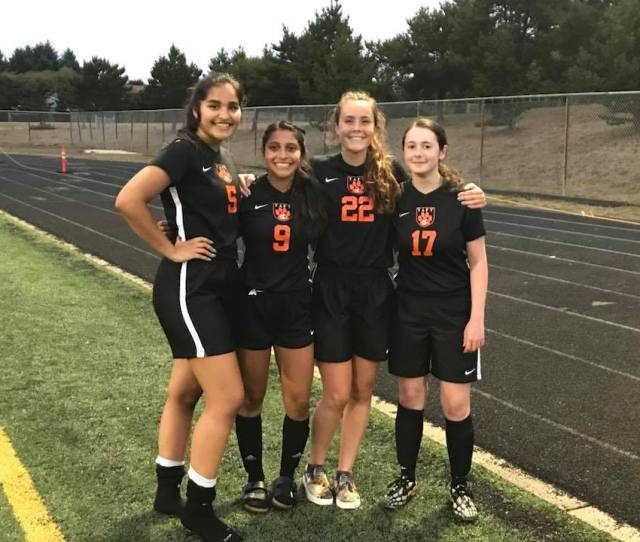 Taft Boys Earn Tie Girls Fall To Blanchet Catholic In League Soccer Play