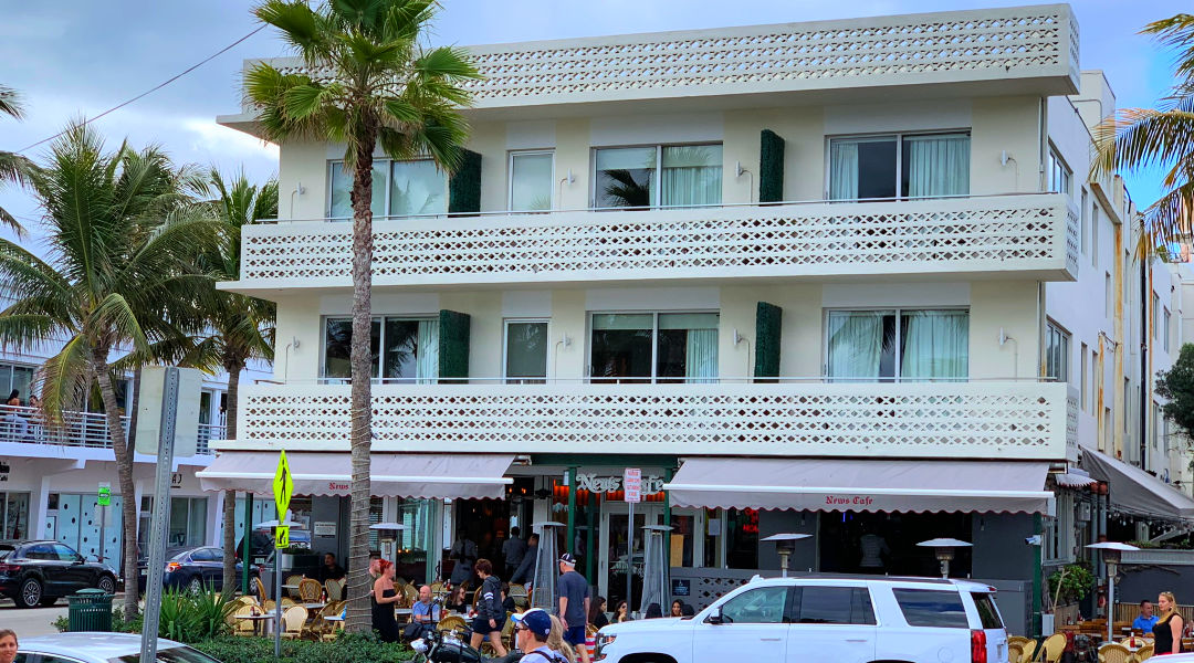 FamousNews Cafe on Ocean Drive