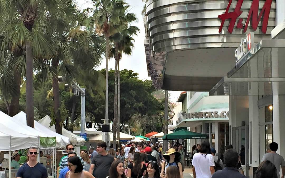 Shoppers on Lincoln Road