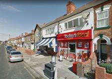Man wearing woolly hat and tights over his head robs Cleethorpes newsagents