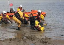 Teens rescued from mud and incoming tide in Cleethorpes