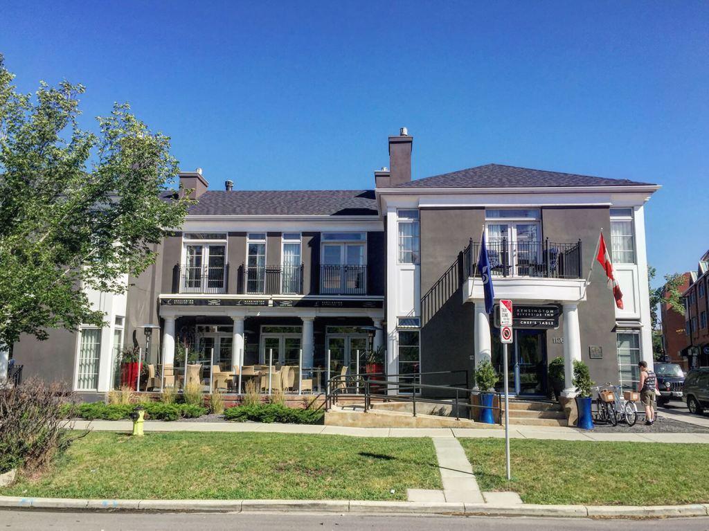 Calgary - Kensington Riverside Inn - Picnic Package Best Weekend Ever 48 Hours Tourism