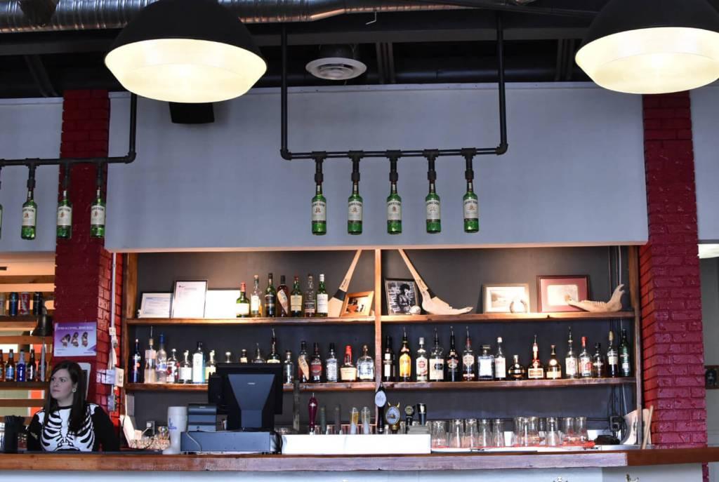 Daravara Edmonton 124 Street - Restaurant - Brunch