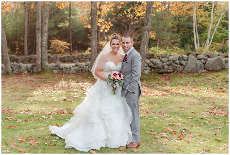 Melanie and Mike were married at Clay Hill Farm in Cape Neddick Maine. Click here to see more beautiful photos by Linda Barry Photography of their burgandy and navy wedding day! Fall wedding photos.