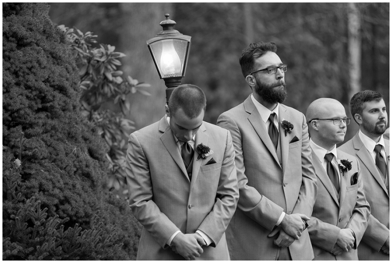 Melanie and Mike were married at Clay Hill Farm in Cape Neddick Maine. Click here to see more beautiful photos by Linda Barry Photography of their burgandy and navy wedding day! Emotional outdoor wedding ceremony.