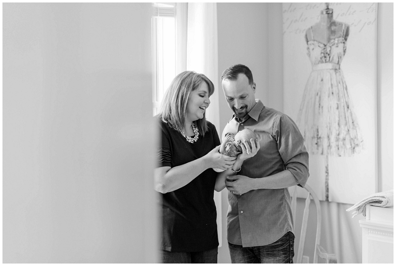 In home lifestyle newborn session by Linda Barry Photography.