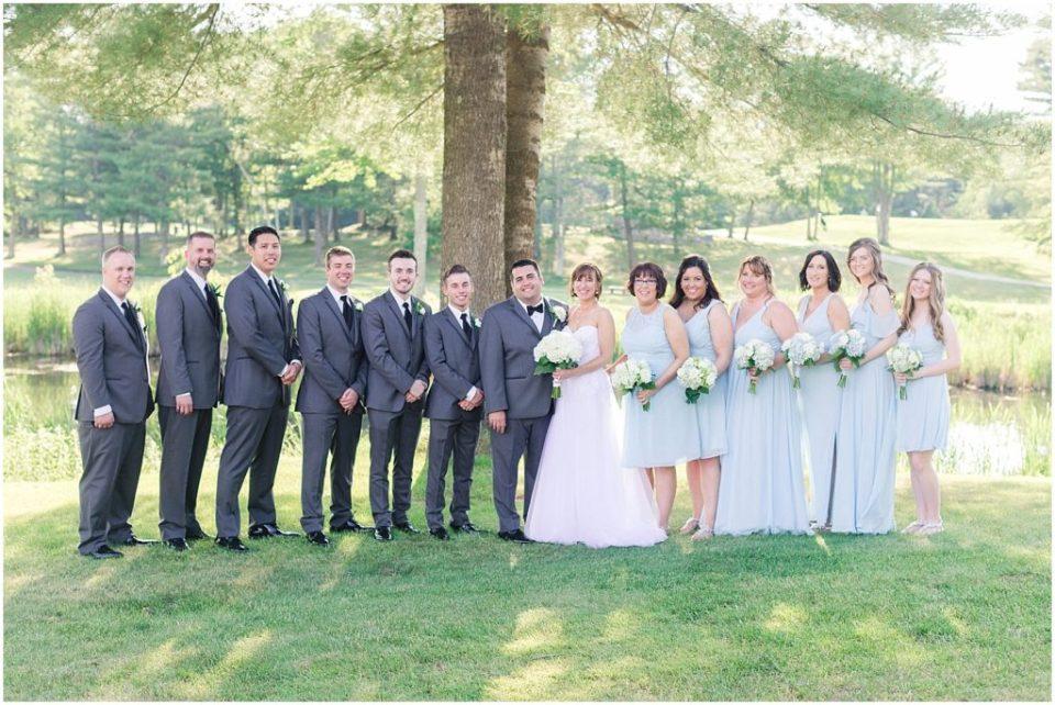 Full wedding party portrait.