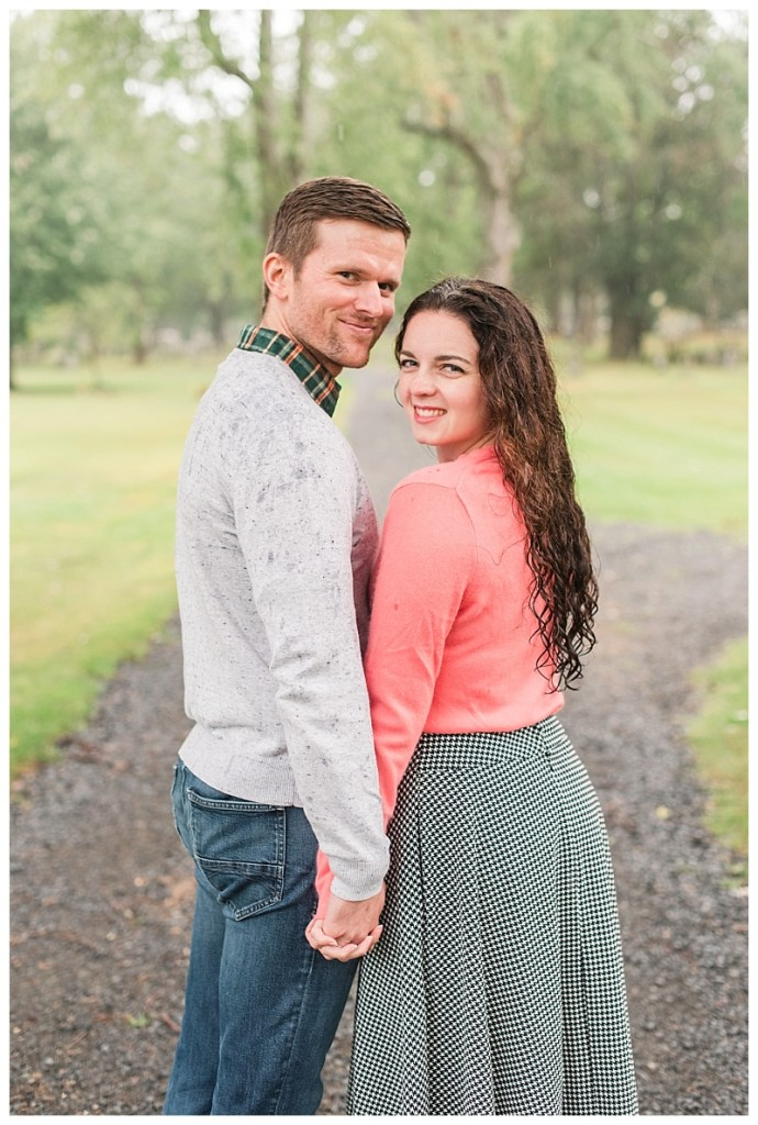 couples photos in kennebunk on a rainy day