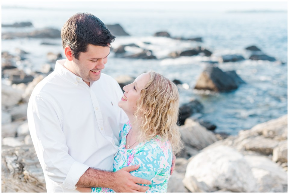 fort williams engagement session on the rocks by the fort