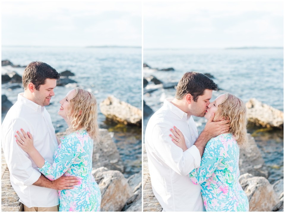 fort williams summer engagement session on the rocks by the fort