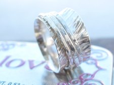 Sterling silver hammered spinner ring 1
