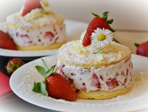 Törtchen mit Erdbeer-Sahne-Creme