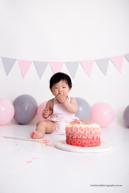 Cake smash 1st birthday photo session 014