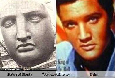 Elvis and Statue of Liberty (2018_10_24 19_45_10 UTC)