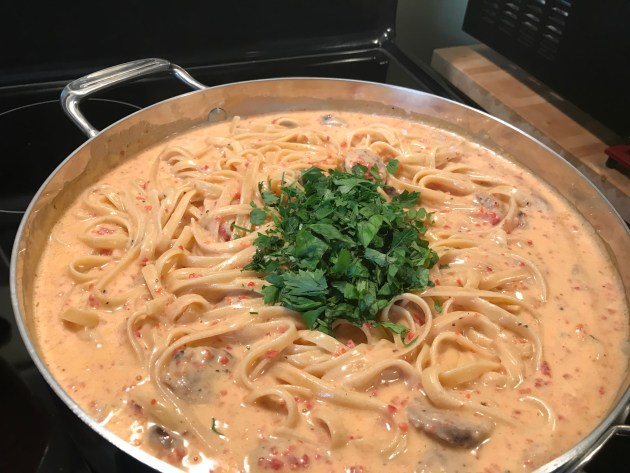 Roasted Red Pepper Alfredo With Sweet Italian Sausage (31)