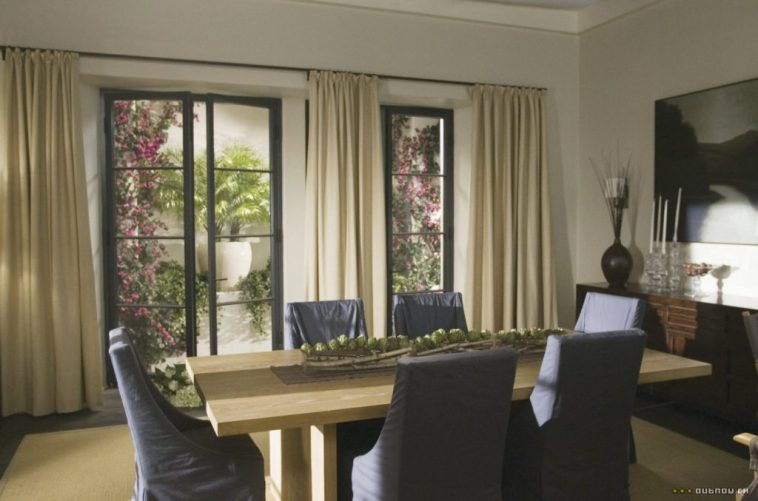 The Holiday LA House Dining room slipcovered chairs Cameron Diaz Kate Winslet