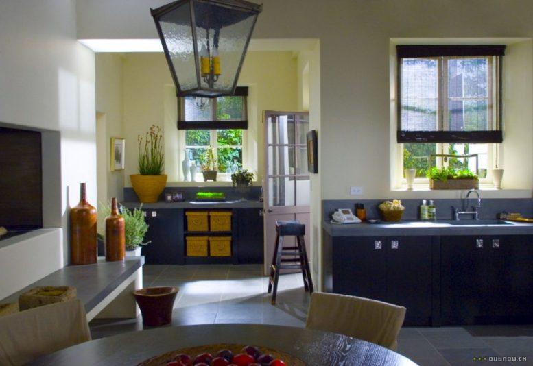 The Holiday LA House Kitchen Cameron Diaz Kate Winslet