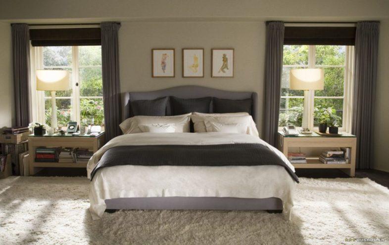 The Holiday LA House bedroom upholstered headboard Cameron Diaz Kate Winslet