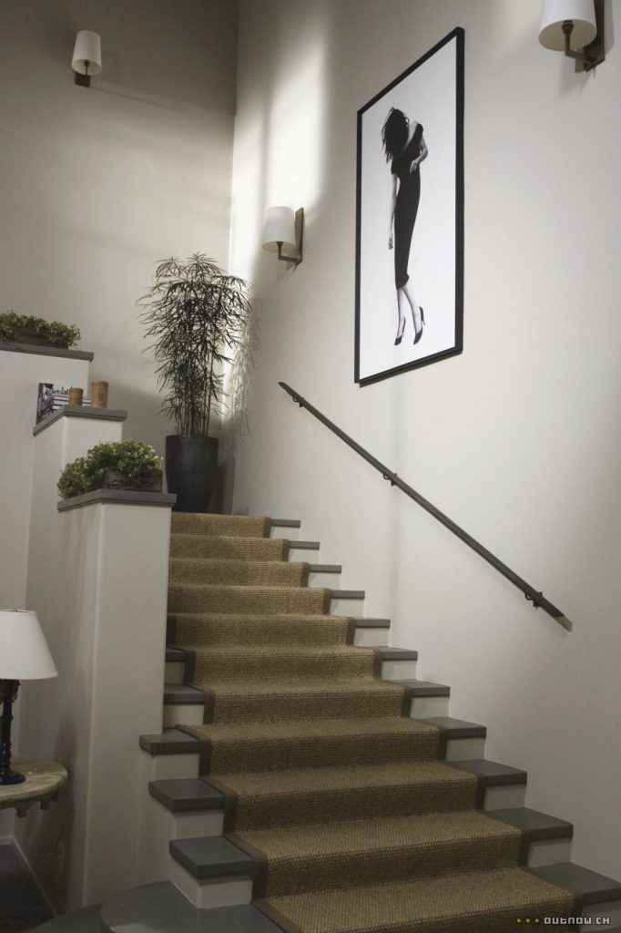 The Holiday LA House front hall stairs sisal carpet Cameron Diaz Kate Winslet