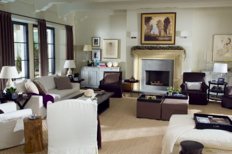 The Holiday LA House livingroom slipcovered sofa Cameron Diaz Kate Winslet