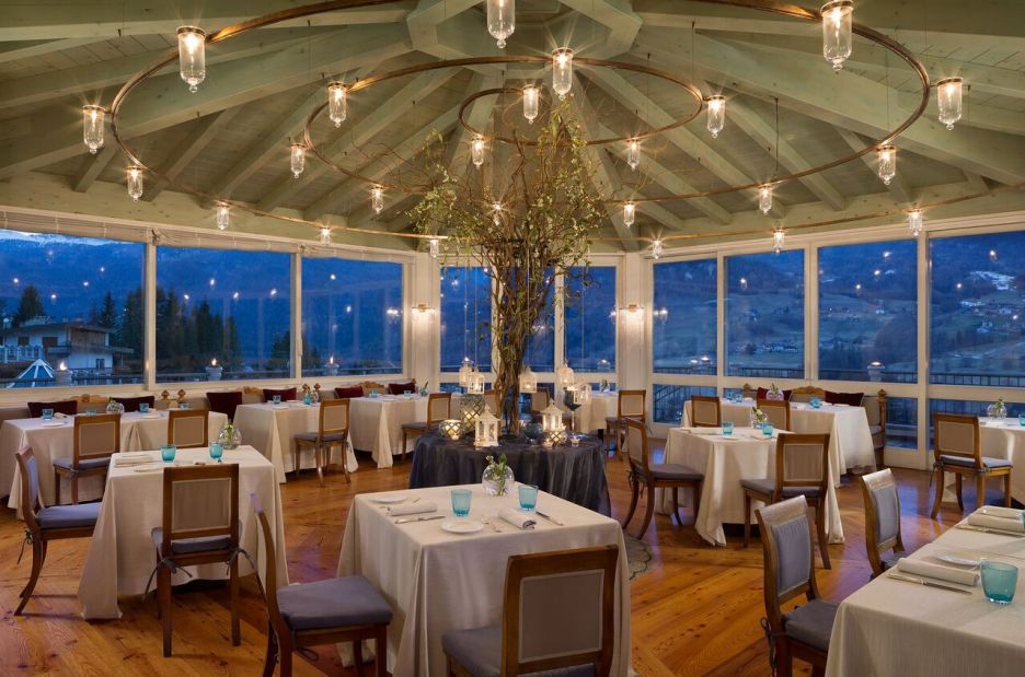 Cristallo Resort hotel dining room