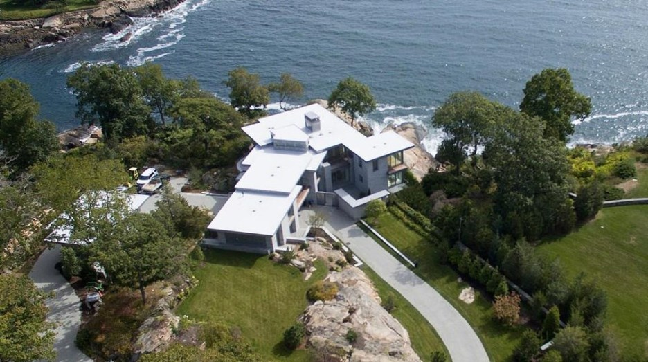 Spectacular oceanside modern beach house in Manchester-By-The-Sea Massachusetts. #modern #beach #coastal #home #oceanside #views #stone #glass #exterior #birdseyeview