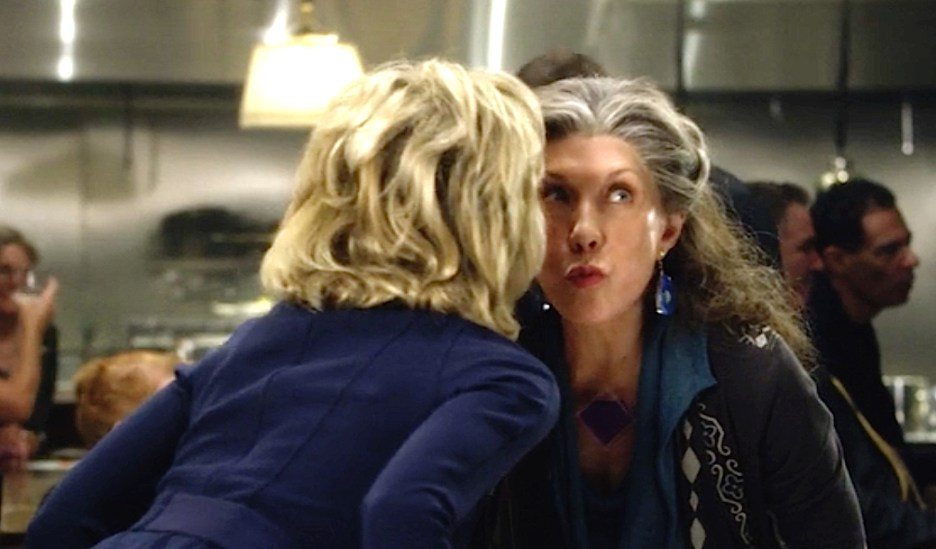 Grace and Frankie Jane Fonda and Lily Tomlin air kiss hello