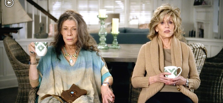 Grace and Frankie Lily Tomlin and Jane Fonda beach house
