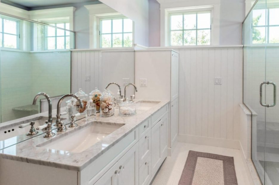 Bathroom White a 3 Dunes Road MA Sandpiper Realty Edgartown property