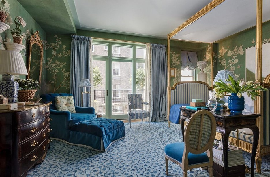 KIPSBAY18 Mark D Sikes bedroom blue chinoiserie